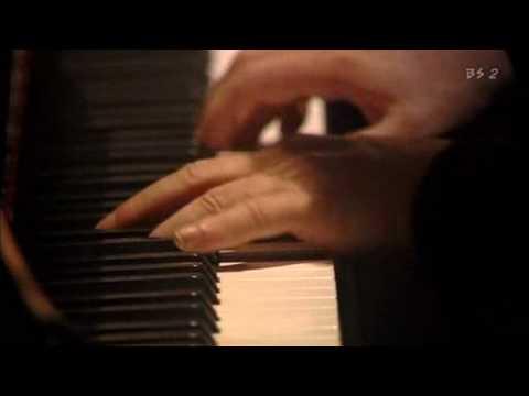 Barenboim plays Beethoven Piano Sonata No.32-1