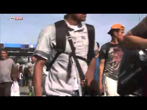 Hundreds Of Migrants Break Into Croatia through Serbian Border At Batina