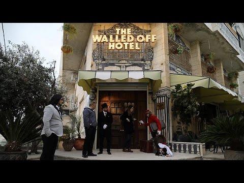 """""""Dünyanın en kötü manzaraları oteli"""" Beytüllahim'de misafirlerini ağırlamaya başladı"""
