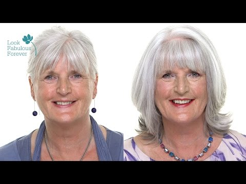 makeup-for-older-women:-perfect-makeup-with-grey-or-white-hair