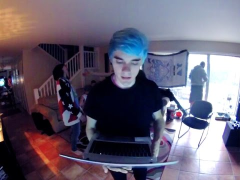 Waterparks: ANSWERS THE INTERNETS QUESTIONS (Also Dances)