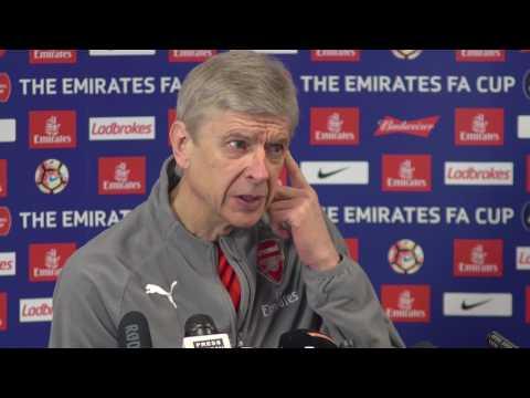 Arsene Wenger pre Arsenal vs Lincoln
