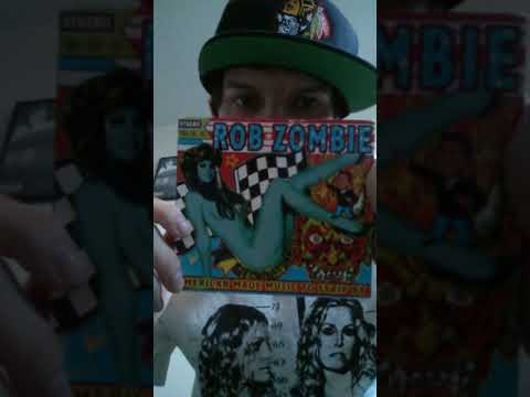 Rob Zombie Mondo Sex Head unboxing and booklet showing.