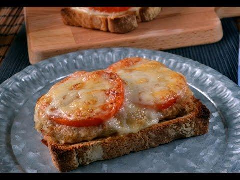 Cómo hacer sandwich o tosta de atún, tomate y queso fácil y delicioso (Receta rápida)