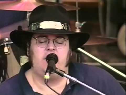 Blues Traveler - Hook - 10/19/1997 - Shoreline Amphitheatre (Official)