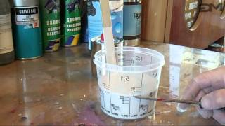 Jak przygotować podkład akrylowy - mieszanie podkładu z utwardzaczem