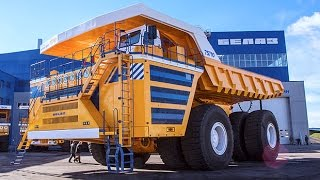 The biggest dump truck in the world - BelAZ 75710