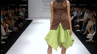 Inifdian Sabah Khan at Lakme Fashion Week 2011 Thumbnail