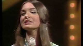 Crystal Gayle - Wrong Road Again