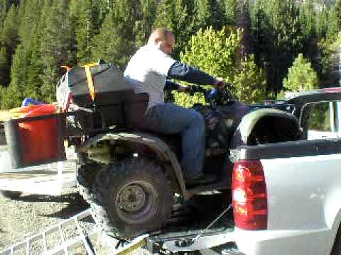 07 Chevy Avalanche + 08 Honda Rancher 420 ATV = It Fits - YouTube