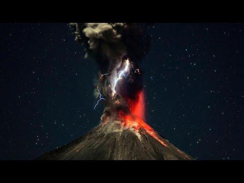 Incredible Timelapse Of Erupting Volcano