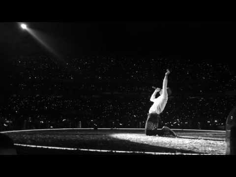 CHRIS MARTIN TOOK MY PHONE  - Coldplay Sydney 2016