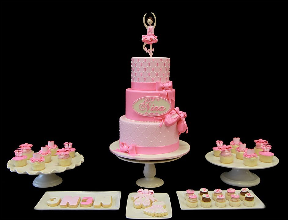 Cake Design Hello Kitty Dance