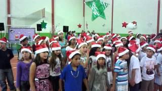 Video Beatriz Kazapi - Apresentação de final de ano 2013 - Colégio Estadual Amadio Dalago download MP3, 3GP, MP4, WEBM, AVI, FLV Oktober 2018