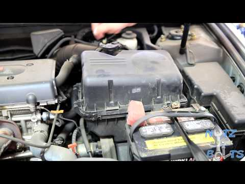 2001 2006 toyota camry engine air filter replacement youtube. Black Bedroom Furniture Sets. Home Design Ideas