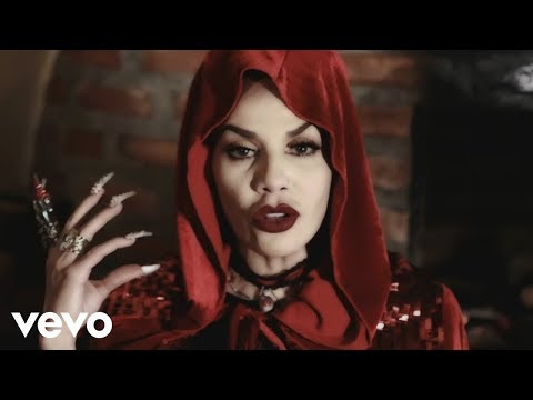 Ivy Queen - El Lobo del Cuento (Video Oficial)