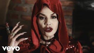Смотреть клип Ivy Queen - El Lobo Del Cuento