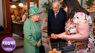 The Queen learns to use a self-service check-out Video