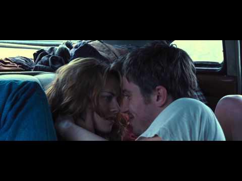 on-the-road:-kristen-stewart-and-garrett-hedlund-2012-movie-scene