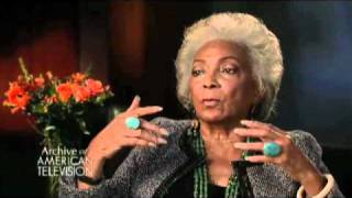 Nichelle Nichols on how Dr. MLK, Jr. dissuaded her from quitting Star Trek - EMMYTVLEGENDS.ORG