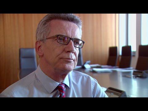 Interview mit Thomas de Maizière (CDU) über Terror und Verschwörungstheorien