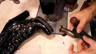 Наружная заплатка. Как поставить заплатку на сапог. Ремонт обуви.