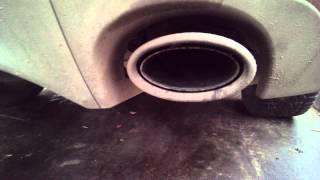Почему идет дым из трубы при заглушенном моторе!?