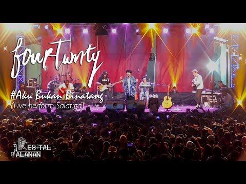 Fourtwnty - Aku Bukan Binatang (Official Resital Jalanan) live perform Salatiga