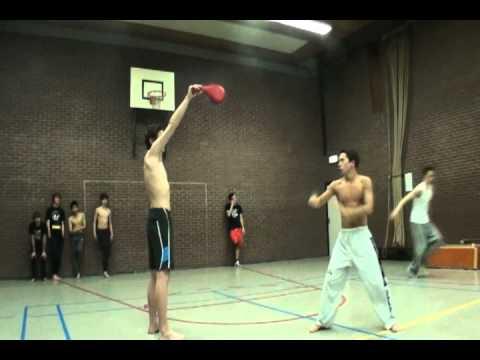 Taekwondo 540 kick thumbnail