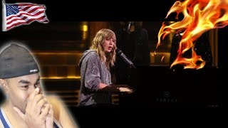 """TAYLOR SWIFT Debuts """"New Year's Day"""" 