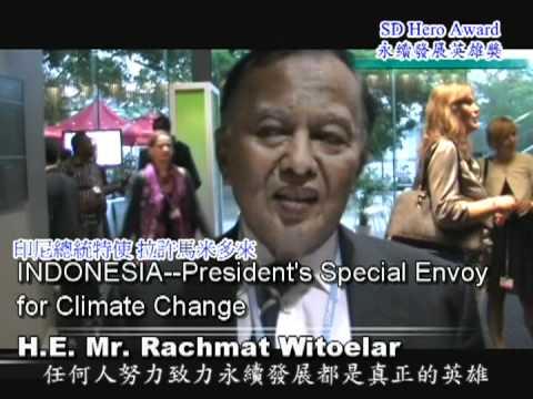 H.E.Mr.Rachmat Witoelar / COP17 Sustainable Development World Pilot Hero Award