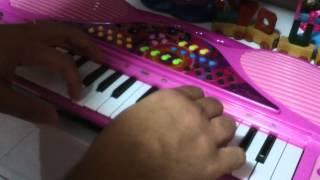 Chorinho Pra Ele (Hermeto P.)- Eduardo Taufic com teclado monofonico de brinquedo.