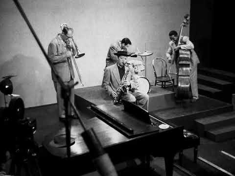 Lester Leaps In-JATP 1949-Buddy Rich, Roy Eldridge, Charlie Parker, Lester Young