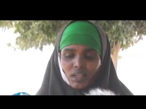 Gabar Alshabaab ah oo uu Qabay Nin Ajanabi ah oo la Qabtey.