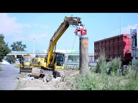 Вибропогружатель OMS модели OVR-40 погружает обсадную трубу (видео 3)
