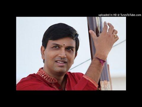 G Ravi Kiran renders Sri Viswanatham Bhajeham - Muthuswami Dikshitar's Chaturdasa Ragamalika - Adi T