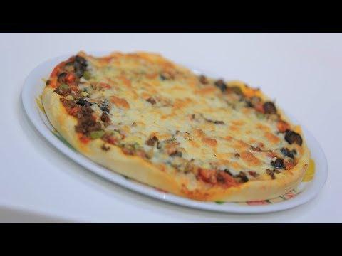 صورة  طريقة عمل البيتزا بيتزا لحمة مفرومة  | نجلاء الشرشابي طريقة عمل البيتزا من يوتيوب