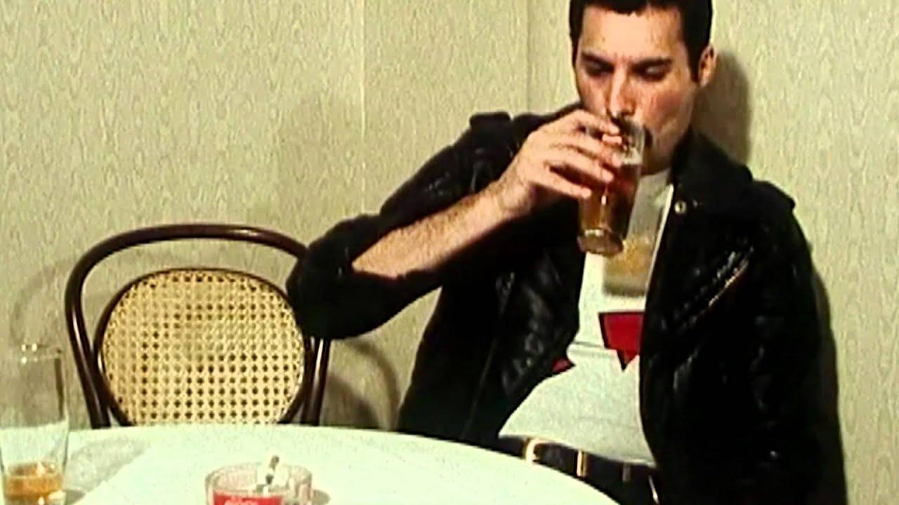Freddie Mercury - 'Interview in 1982' - YouTube