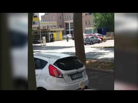 CESENA: Rapinano la banca e vengono ripresi da un passante | VIDEO
