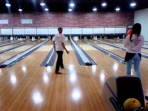 Bowling artis bersama persatuan seniman malaysia