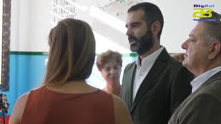 """El alcalde visita el CEIP Colonia Araceli, """"ejemplo de inclusión"""" de niños con autismo"""