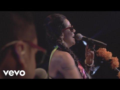 Lila Downs - La Burra / Spoken Words (Concierto en Vivo)