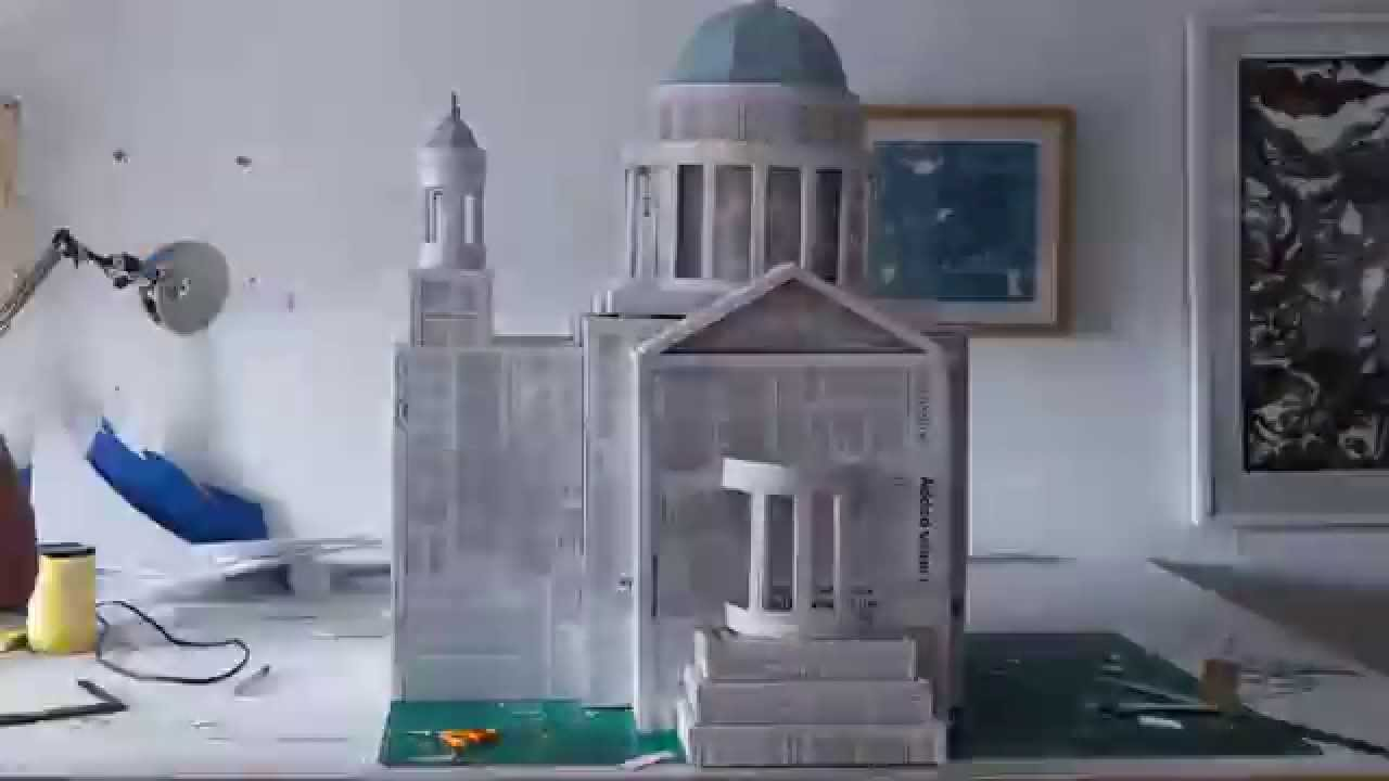 Tearaway Unfolded | London Skyline Papercraft