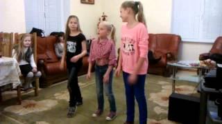 Классный танец на день рождения мамы(, 2015-01-25T07:13:09.000Z)