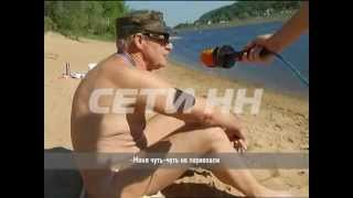 Нудисты на пляже против спортсменов в воде.(Наступившая жара с новой силой разожгла конфликт между нудистами и спортсменами. Они ни как не могут подели..., 2014-05-26T15:35:46.000Z)