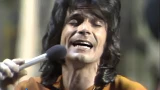 """BJ Thomas Sings """"Hooked On A Feeling"""" 