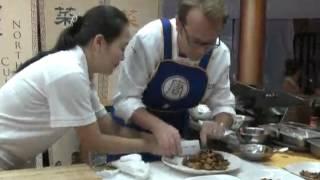 美国五大名厨时代广场竞技中国菜(新闻视频_中国菜厨技大赛)