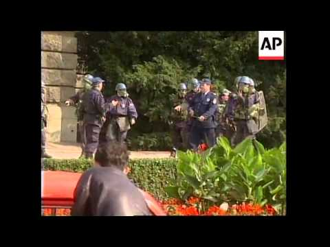YUGOSLAVIA: BELGRADE: ANTI MILOSEVIC PROTESTS