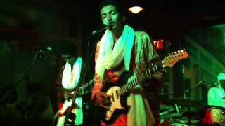 Bombino Live Nov 2012 Pittsburgh: Iyat Idounia Ayasahen (Another Life)