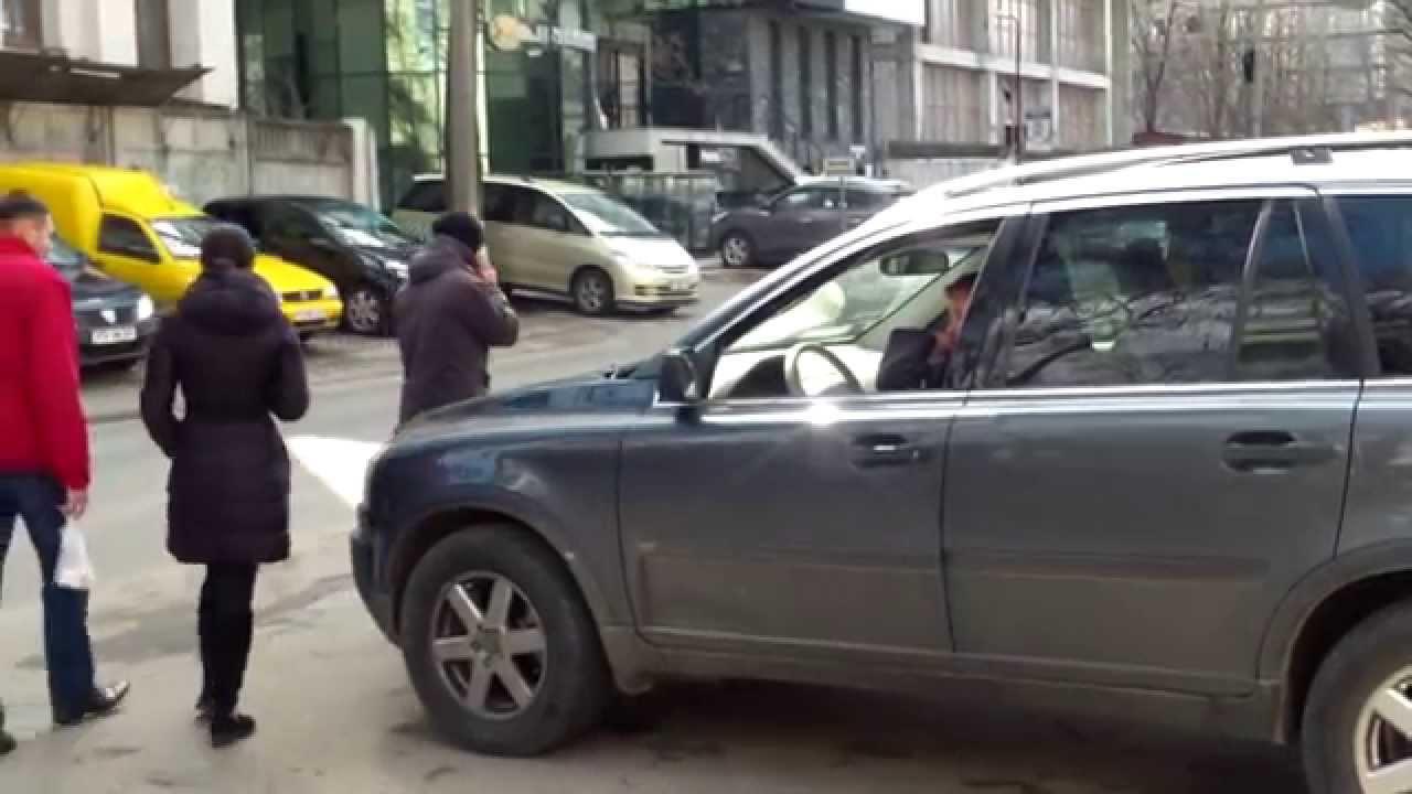 Șoferi cu obrazul gros lîngă AiF, IDOM și SIS